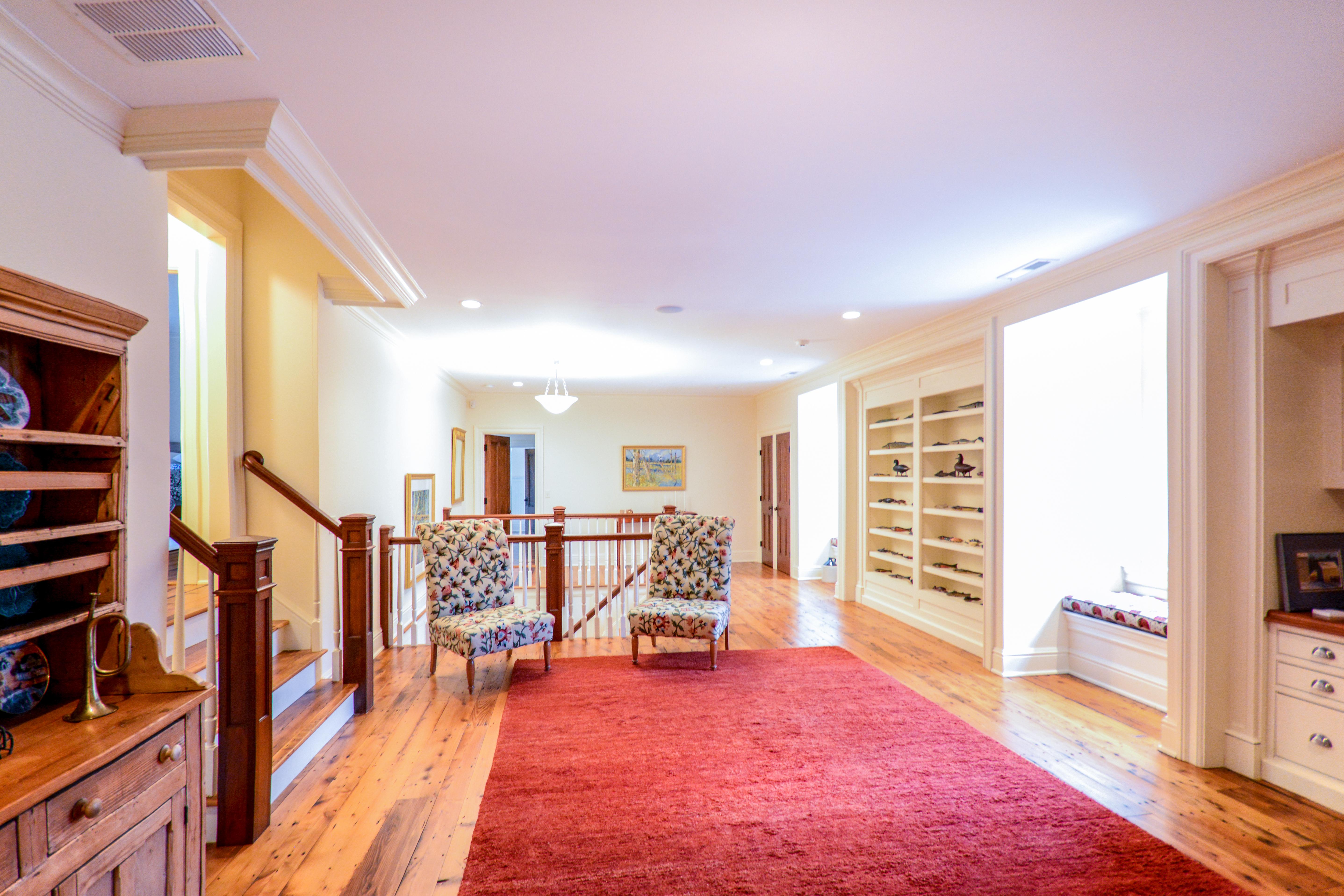 Inra Upstairs Hall Room